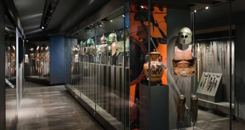 بازگشت آثار باستانی، توسط یک مجموعه دار